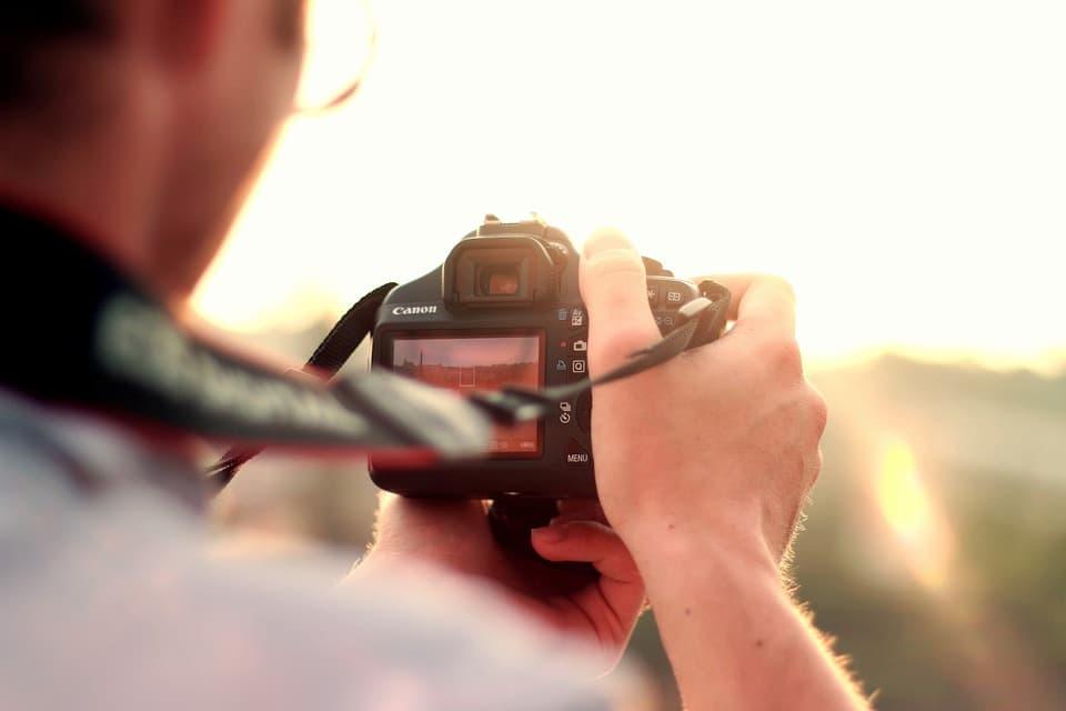 Le 5 Migliori Fotocamere DSLR per Principianti